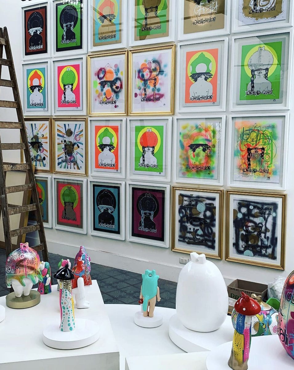 framing art for exhibitions
